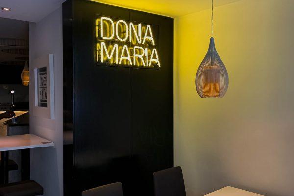 Néon - Dona Maria-min